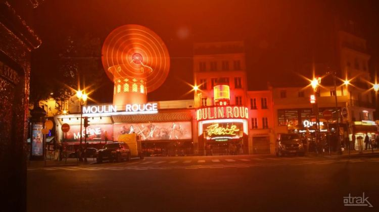 paris moulin rouge timelapse